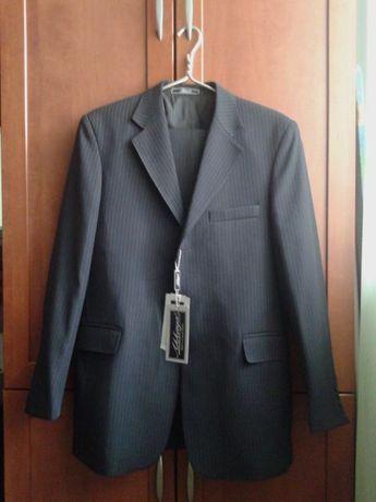 Продам мужской костюм в идеальном состоянии. Срочно и недорого!!!