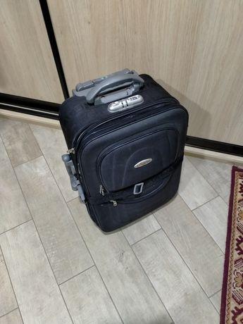 Продам небольшой чемодан