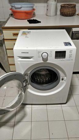 Maquina lavar Samsung WF70F5E0W2W EcoBubble 7.0Kg