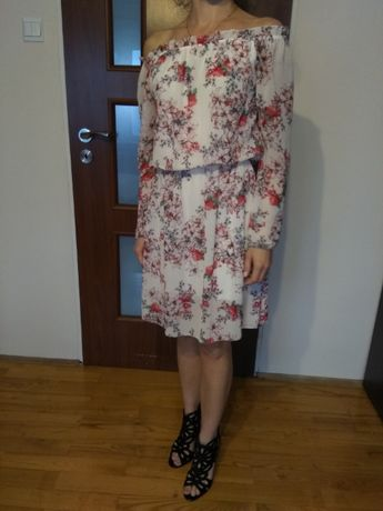Letnia kwiecista sukienka rozm. S