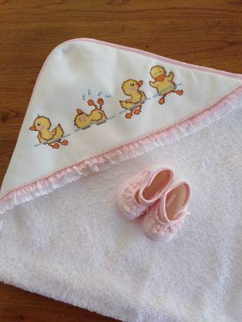 Toalhas de banho e Conjuntos babete/fralda ponto cruz