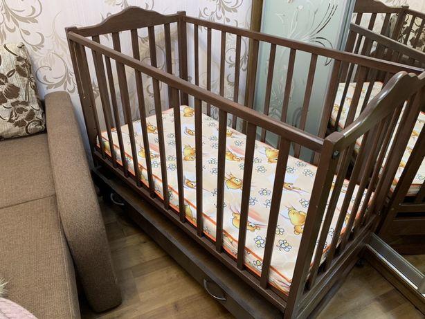 Кроватка с кокосовым матрасиком, самовывоз