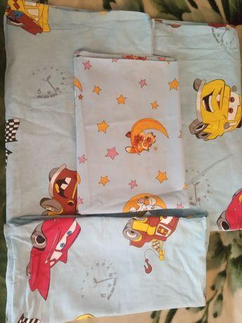Продам комплект детского постельного белья плюс в подарок простынь.