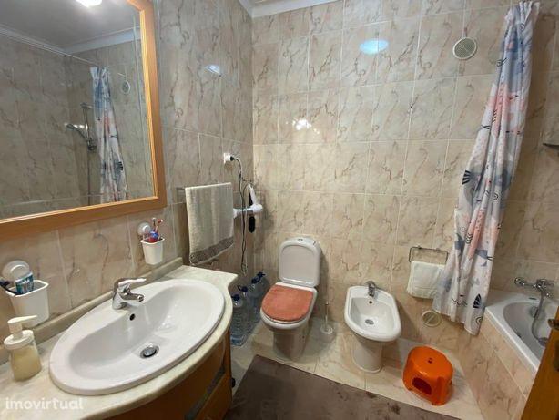 Apartamento T2 à venda na travessa da Rua do Viso