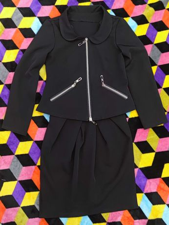 Школьный черный костюм пиджак юбка 134см