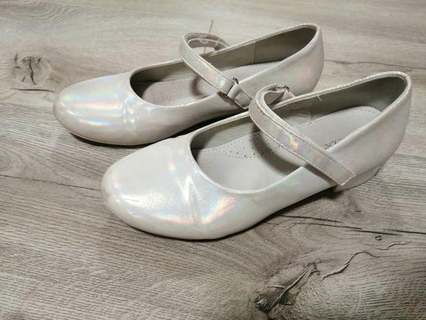 Buty komunijne na obcasie dla dziewczynki 36