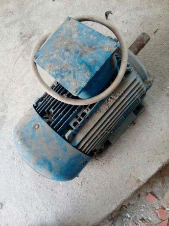 Motor eléctrico + suporte