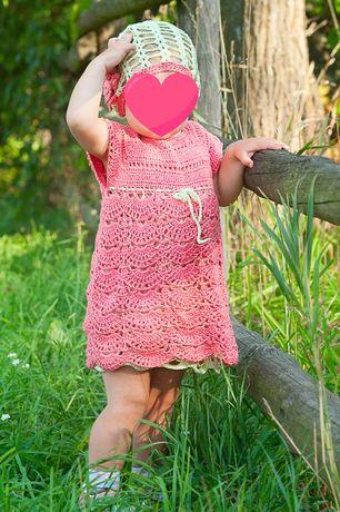 Нарядный вязаный крючком комплект на 1-2 года. Платье, шапочка, накидк
