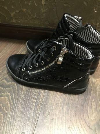 Детсая обувь продам