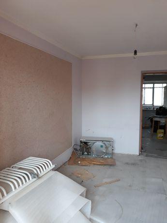 Продам чотирикімнатну квартиру в м. Тимениця