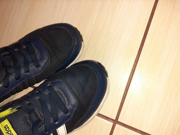 Sprzedam buty firmy adidas