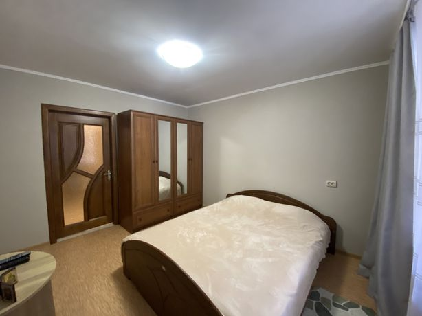Оренда 2 кімнатна центр Коновальця