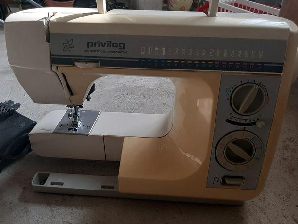 Швейна машинка privileg