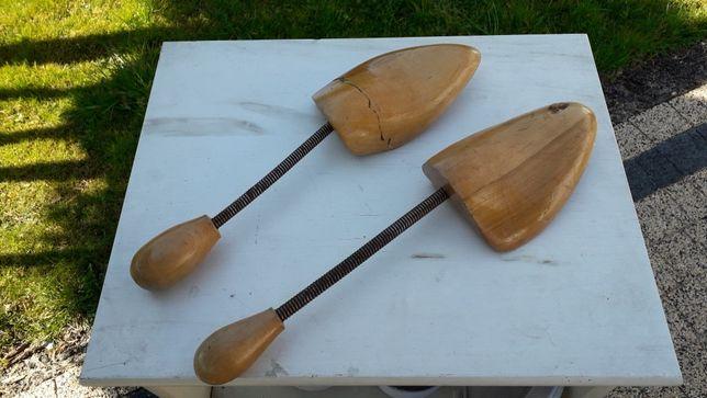 Drewniane prawidła do rozciagania butów