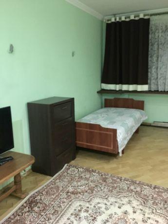 Кімната на вул Кравчука для дівчини, власник!!