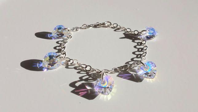 Srebrna bransoletka z kryształkami Swarovskiego, serduszka