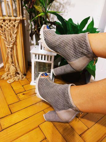 Buty sandały na słupku by o La La 39 skórzane