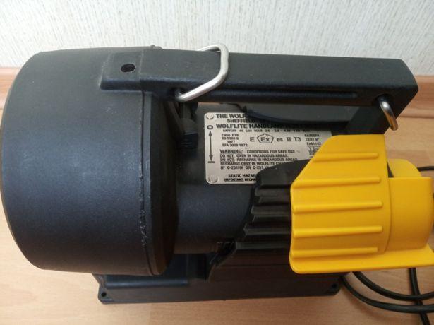 продам взрывобезопасный фонарь Wolf Safety Lamp H251 Mk2 с блоком зар