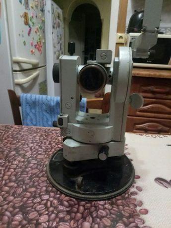 Теодолит 2Т30П рабочий измерительный инструмент
