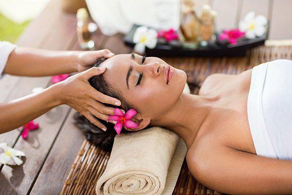 Масаж, масаж Львів, релакс масаж, антицелулітній масаж, лікуючий масаж