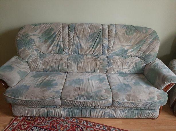 Продам диван і два крісла