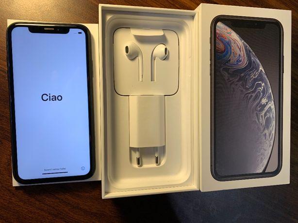 iPhone XR 128GB, czarny, ładowarka, kabel, etui Spigen