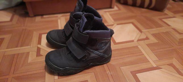 Продам демісезонні чобітки, ботіночки  minimem