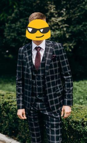 Продаю випускний костюм!
