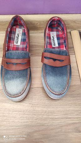 Продам джинсові сліпони.Стан -нові.Розмір-33,стелька-22,5.