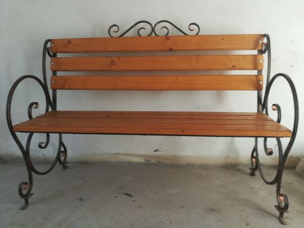 Лавиця, скамейка.