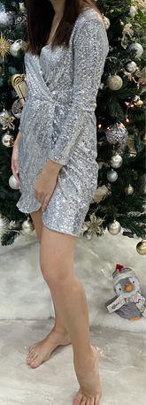 Шикарное серебристое коктейльное платье в пайетках S, M