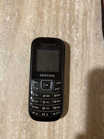 Telefon komorkowy samsung  gt-e1200r