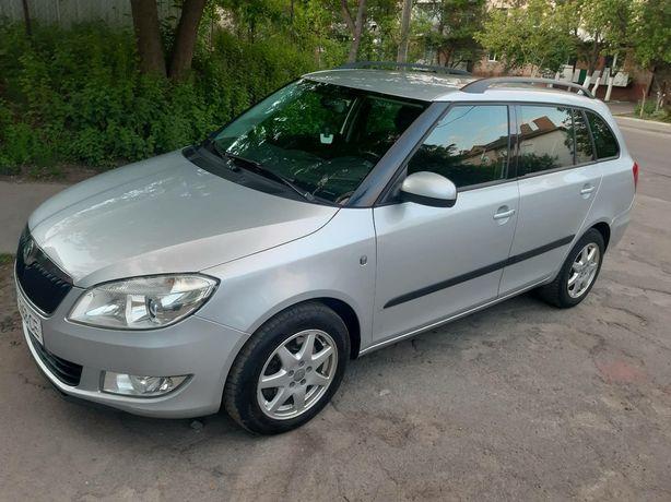 Прокат аренда оренда авто автомобиля 200 грн/доба skoda fabia 2011