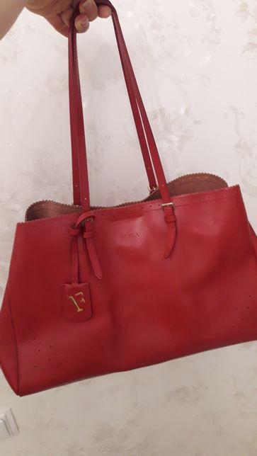 Furla почти новая сумка в идеальном состоянии. Оригинал.