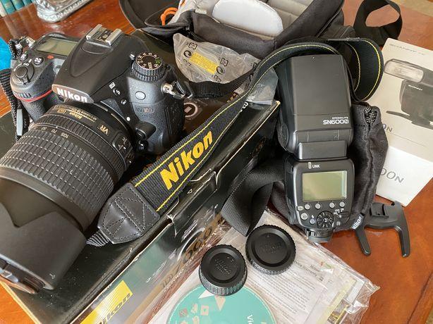 Продам NIKON D7000 18-105 + вспышка SN600N