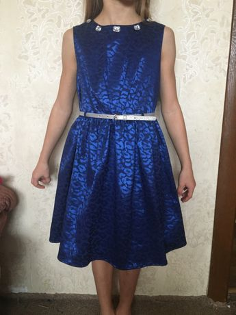 новое шикарное платье Next 8лет рост 128см нарядное