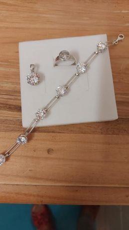 Komplet srebrnej biżuterii z cyrkoniami