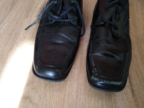 Sprzedam buty.