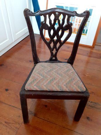 Bonita e boa, Cadeira  de criança para quarto ou sala, de madeira boa