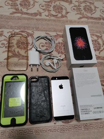 Продам IPhone SE Space Gray 32Gb