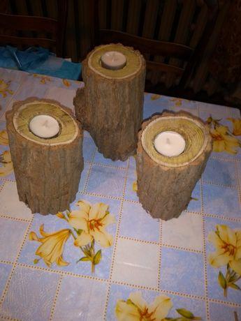 Świeczki w drewnie świecznik