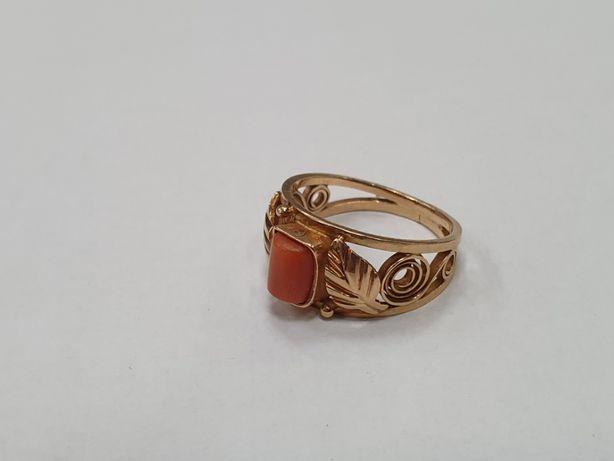 Piękny złoty pierścionek damski/ 585/ Koral/ 3.48g/ R12/ Gdynia
