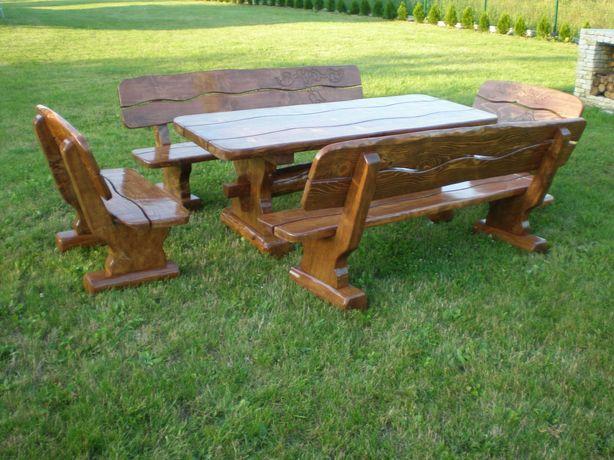 Meble ogrodowe drewniane z drewna z bala pod altana na taras huśtawka