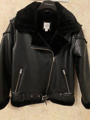 Куртка для девочки, эко кожа с эко мехом,10-11 лет, 140 см.