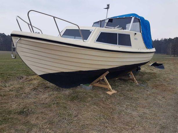 Neptun22 jacht motorowy łódź kabinowa