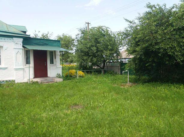Продається дворище в смт. Варва Чернігівської області.