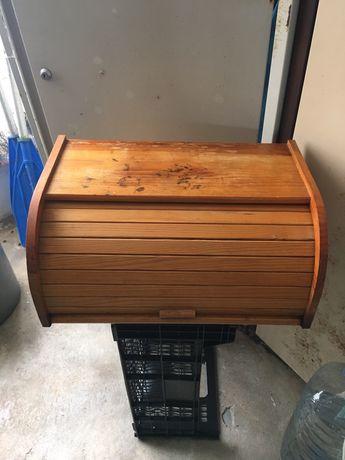 Caixa de madeira para pão