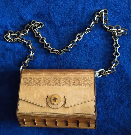 Продам деревянную дамскую вечернюю сумочку клатч