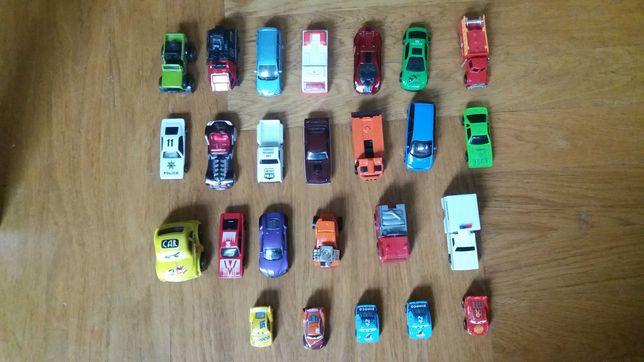 mikroautka McQueen i nne male samochody/jak nowe,nowe,uzyw