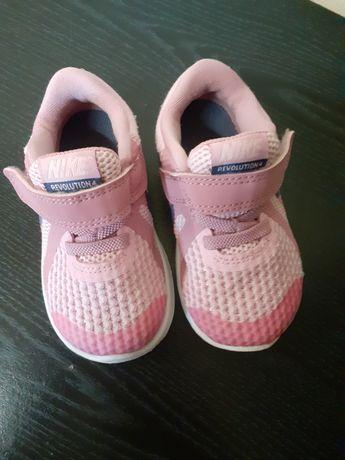 Nike revolution4 rozmiar 21 11cm